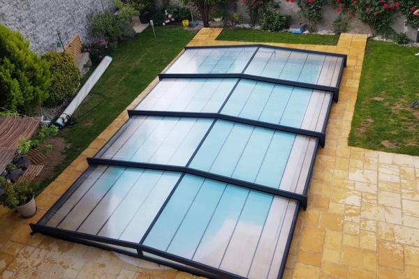 installation-abri-piscine-2019-66BAA8E689-1141-F1ED-8E8E-EB6AC84854B9.jpg